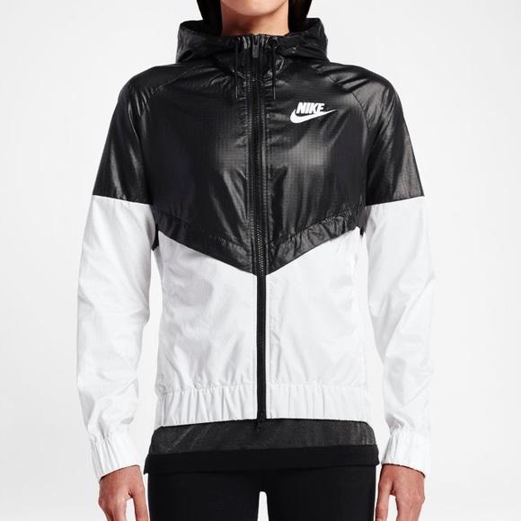 7a93e4d36a45 Nike Windrunner Women s Jacket